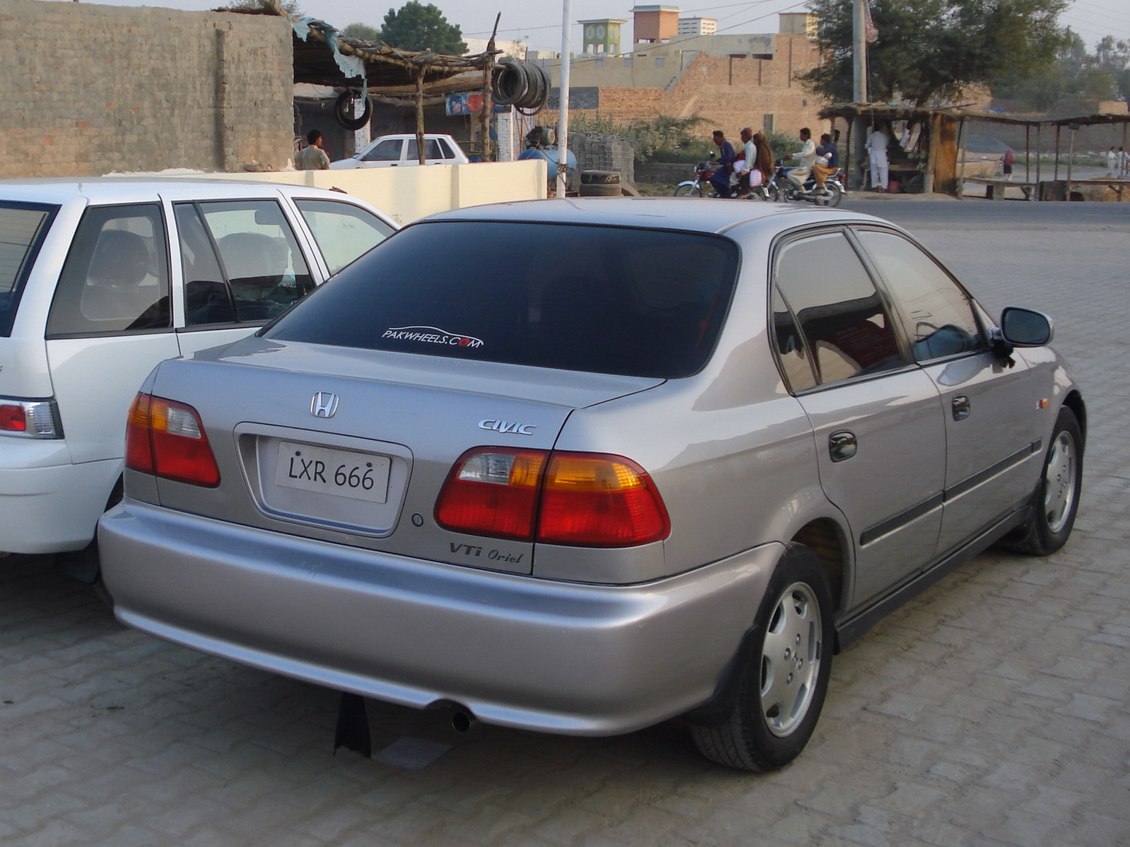 2000 honda civic information and photos momentcar for Honda car 2000