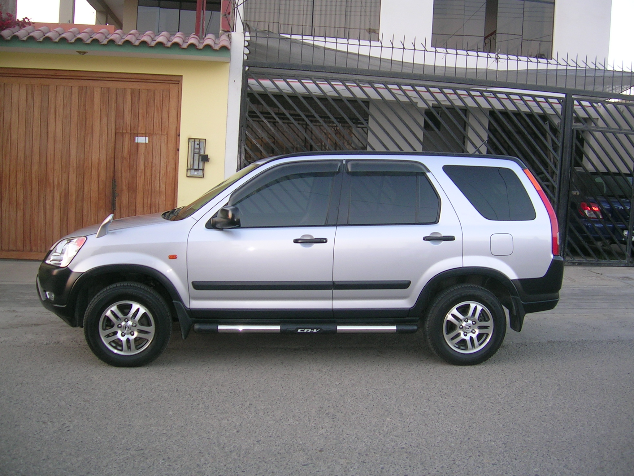 2002 Honda CRV Information and photos MOMENTcar