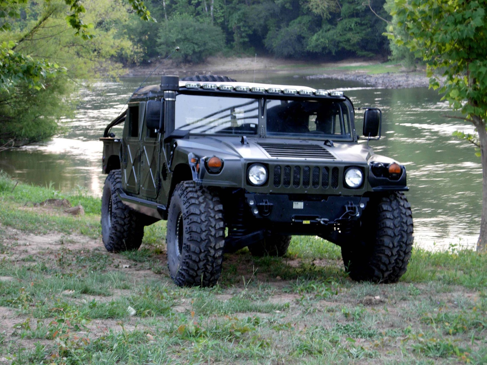 Hummer h1 information and photos momentcar hummer h1 10 vanachro Image collections