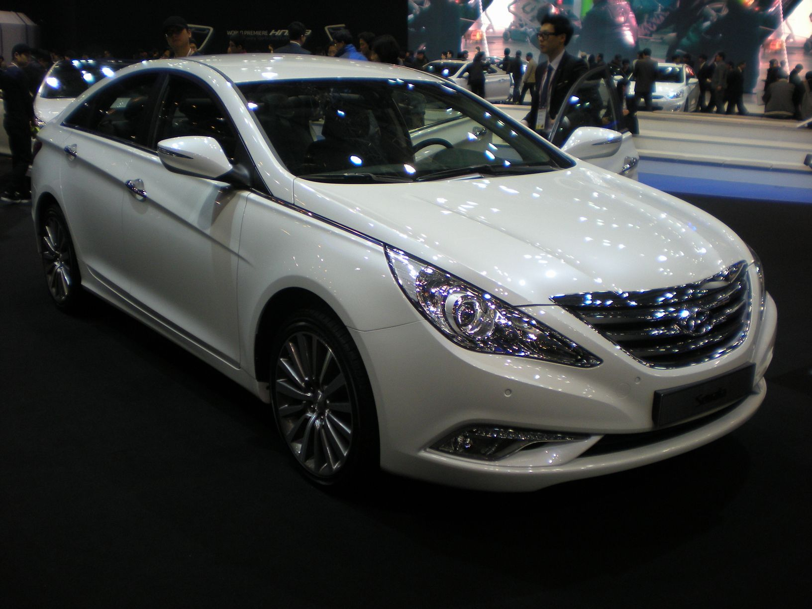 sonata specs trims photos price options research hyundai hybrid aeae