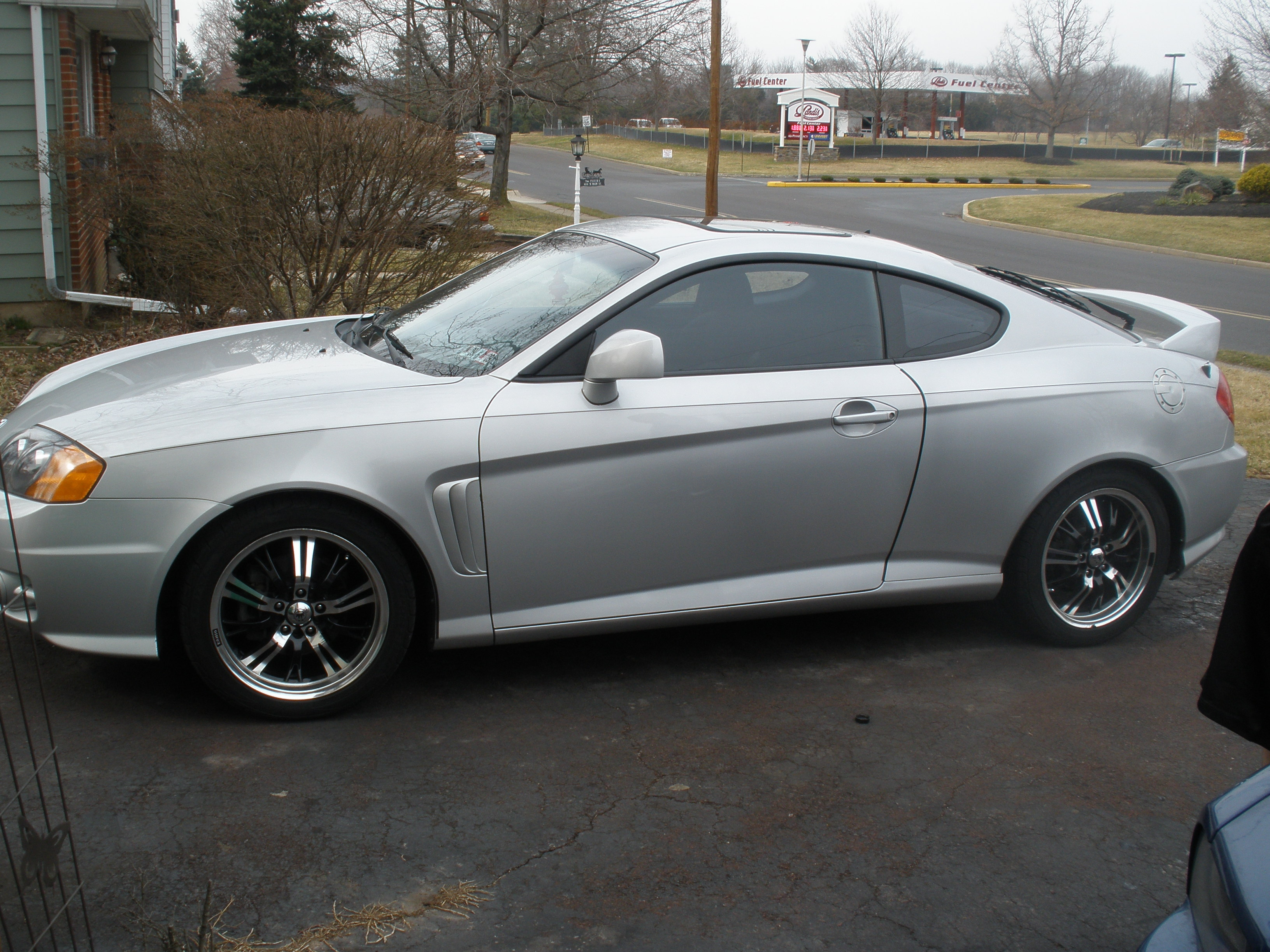 2004 Hyundai Tiburon Information And Photos Momentcar