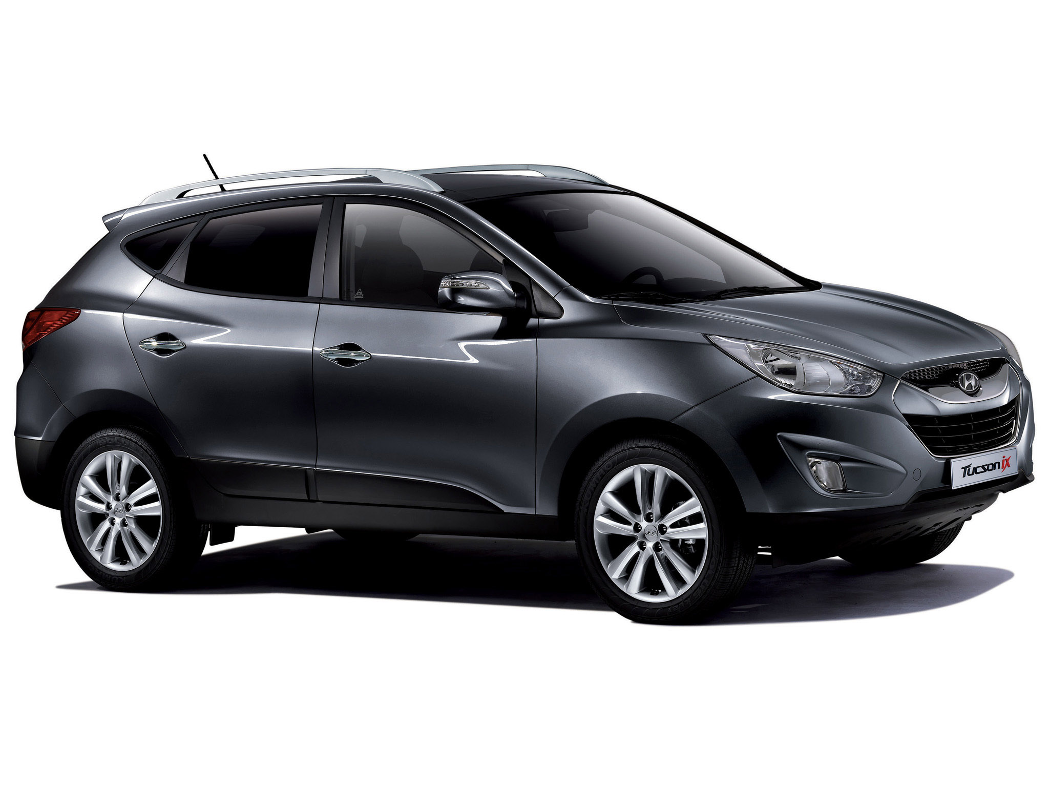 hyundai tucson information and photos momentcar. Black Bedroom Furniture Sets. Home Design Ideas