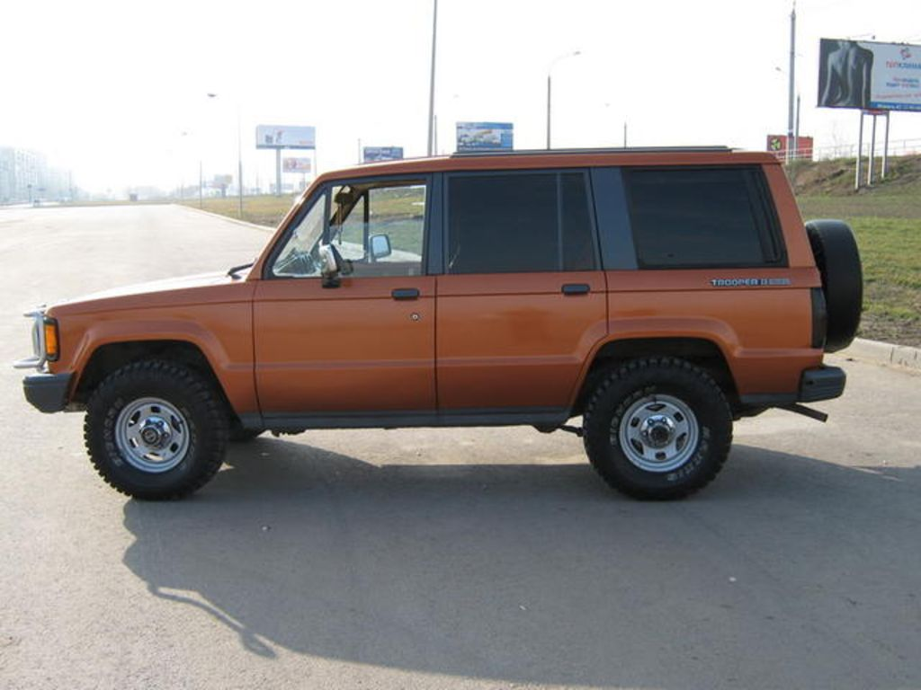 1988 Isuzu Trooper - Information and photos - MOMENTcar