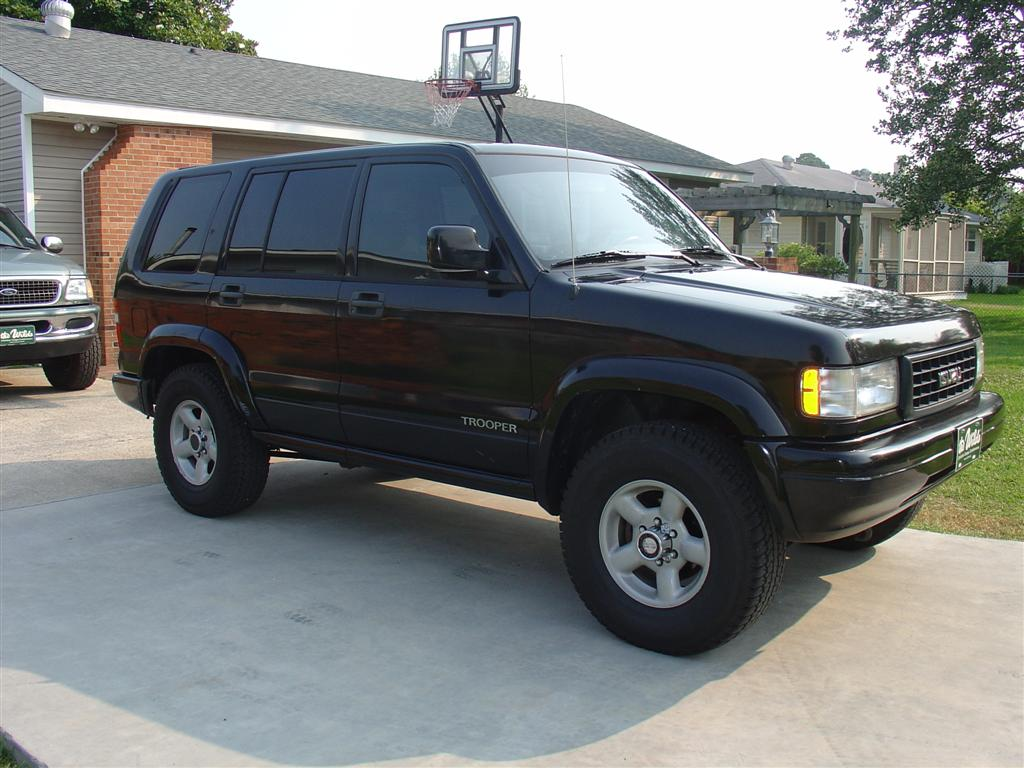 Isuzu Trooper #9