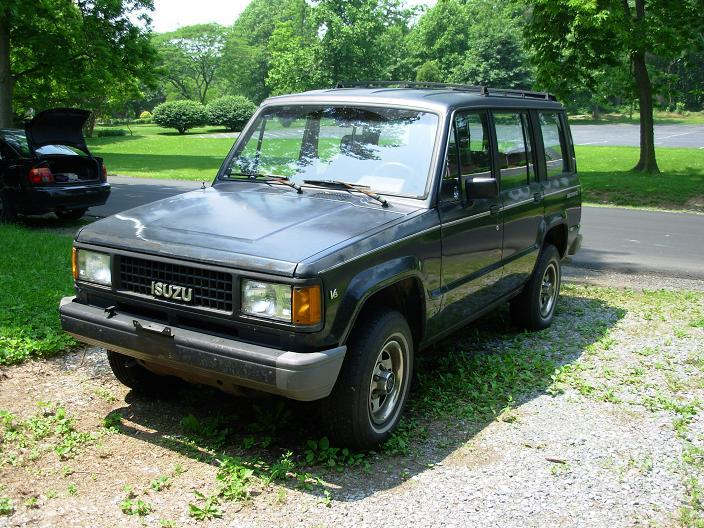 Isuzu Trooper XS #18