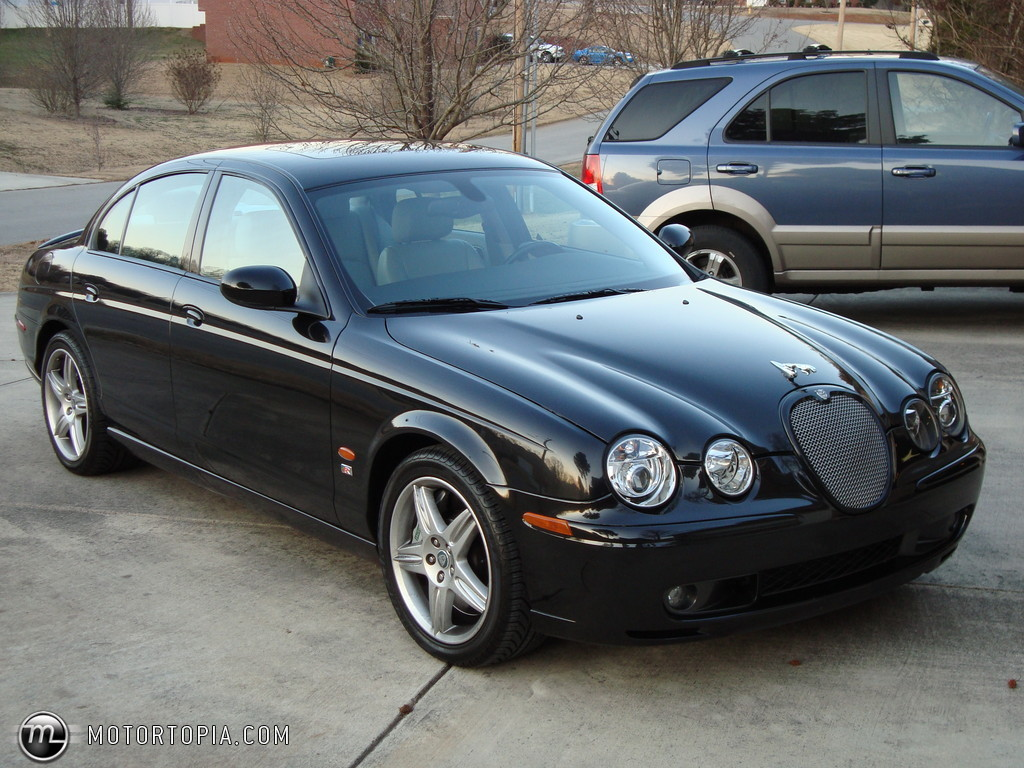 Jaguar S-Type R #15