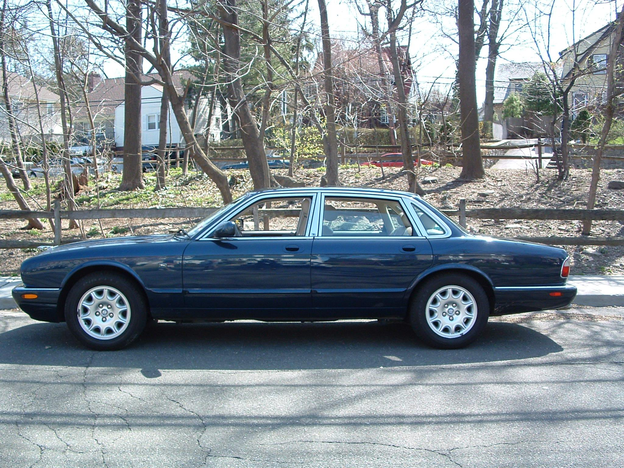 2000 Jaguar Xjr Fuse Diagram Wiring Will Be A Thing Xk8 Box Xj8 Blue Pictures To Pin On Pinterest Pinsdaddy Location