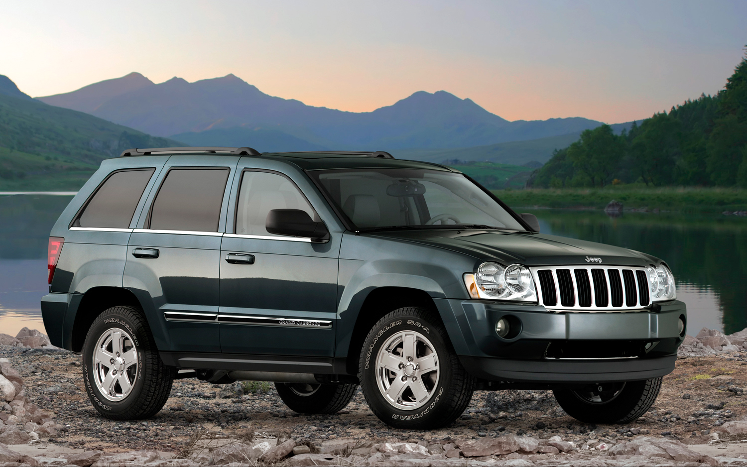 2007 jeep grand cherokee information and photos momentcar. Black Bedroom Furniture Sets. Home Design Ideas
