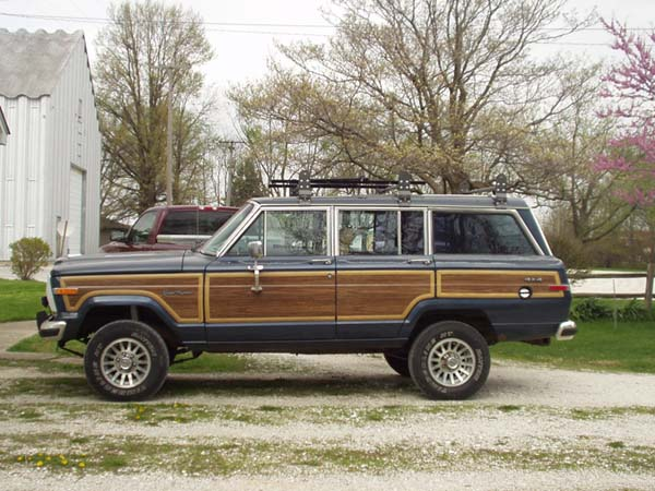 jeep grand wagoneer 85px image 10 momentcar