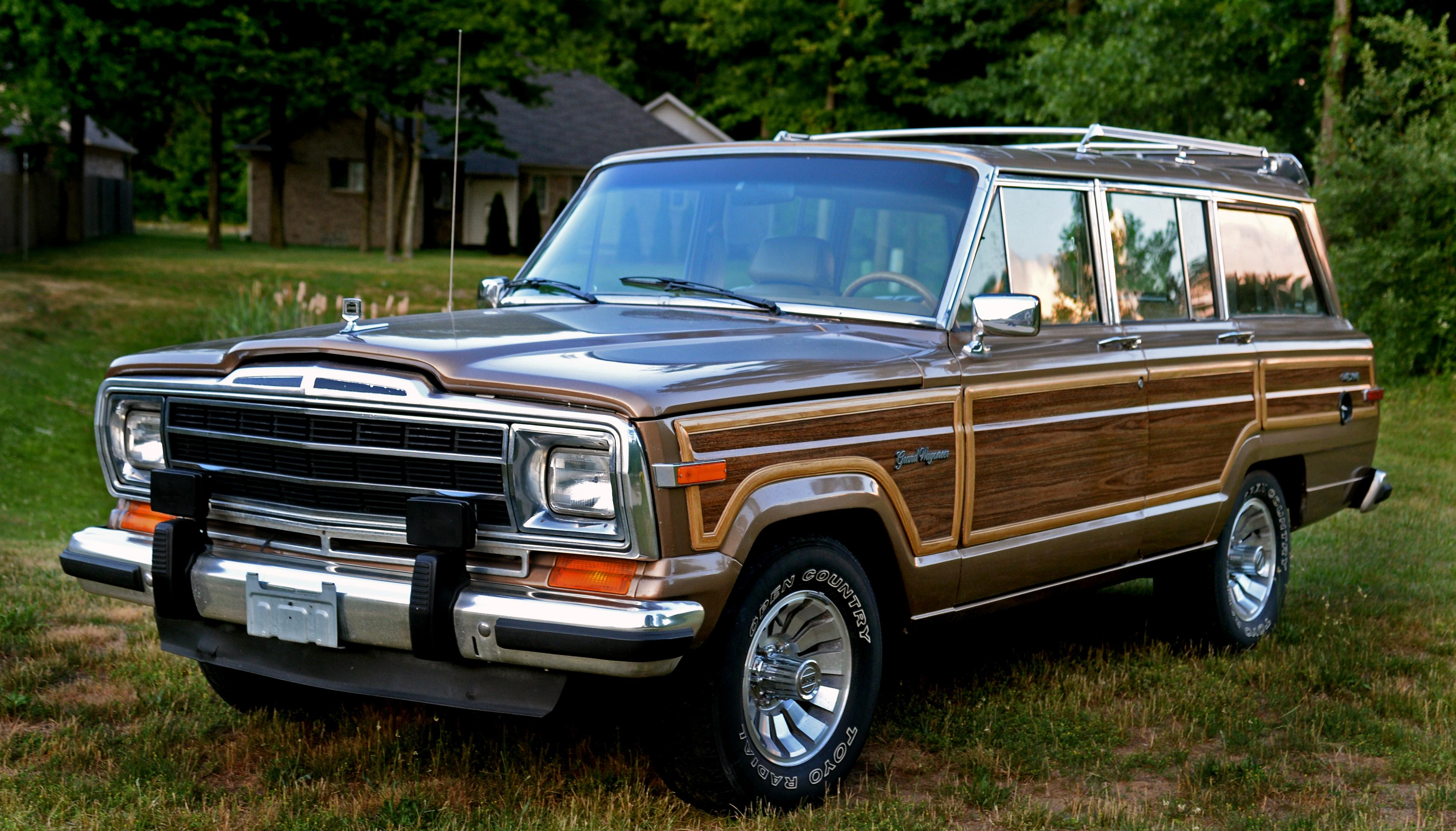 1988 Jeep Grand Wagoneer - Information and photos - MOMENTcar