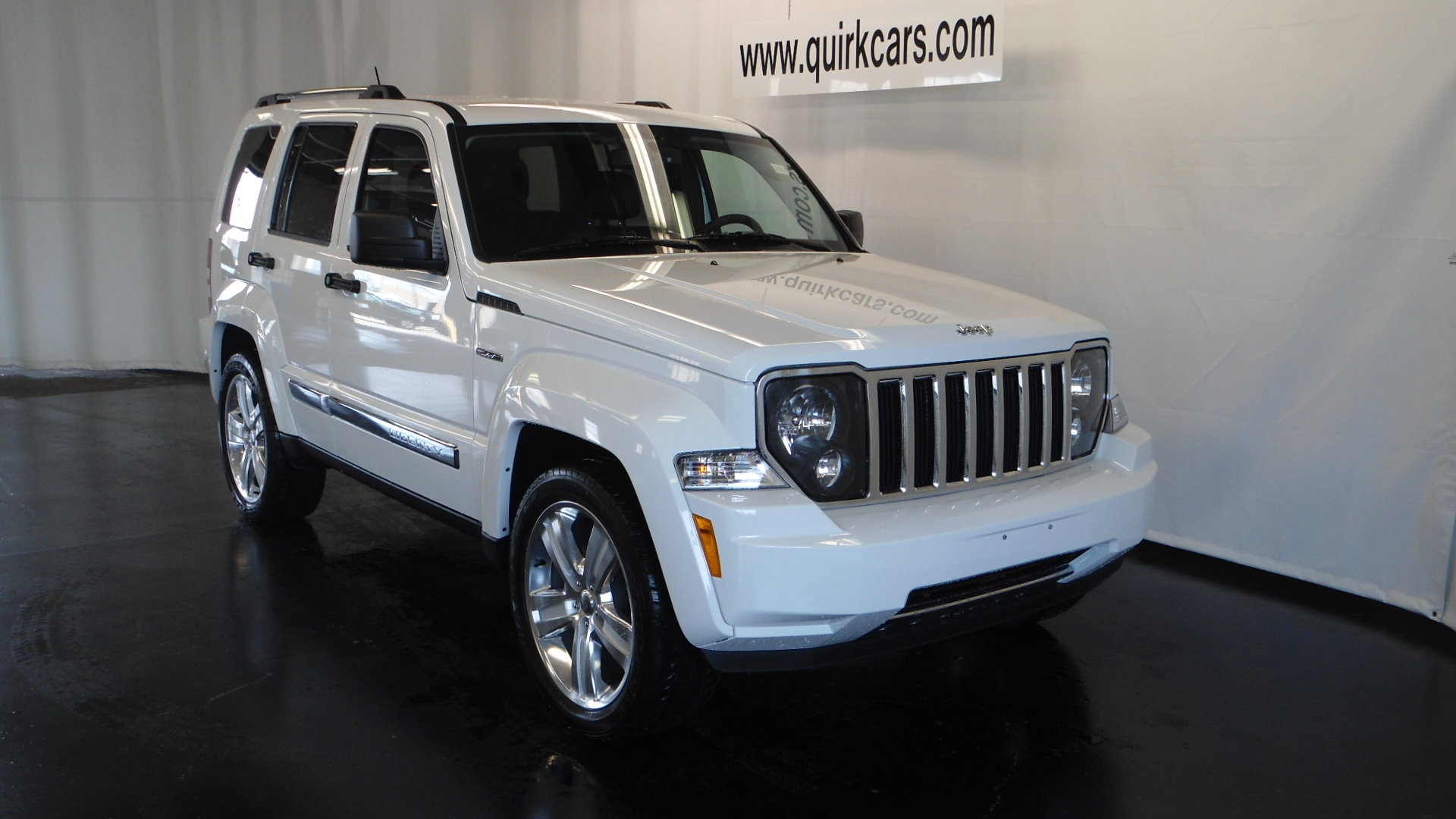 Jeep Liberty Information and photos MOMENTcar