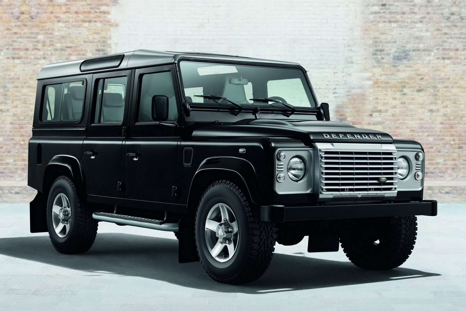 Land Rover Defender #9