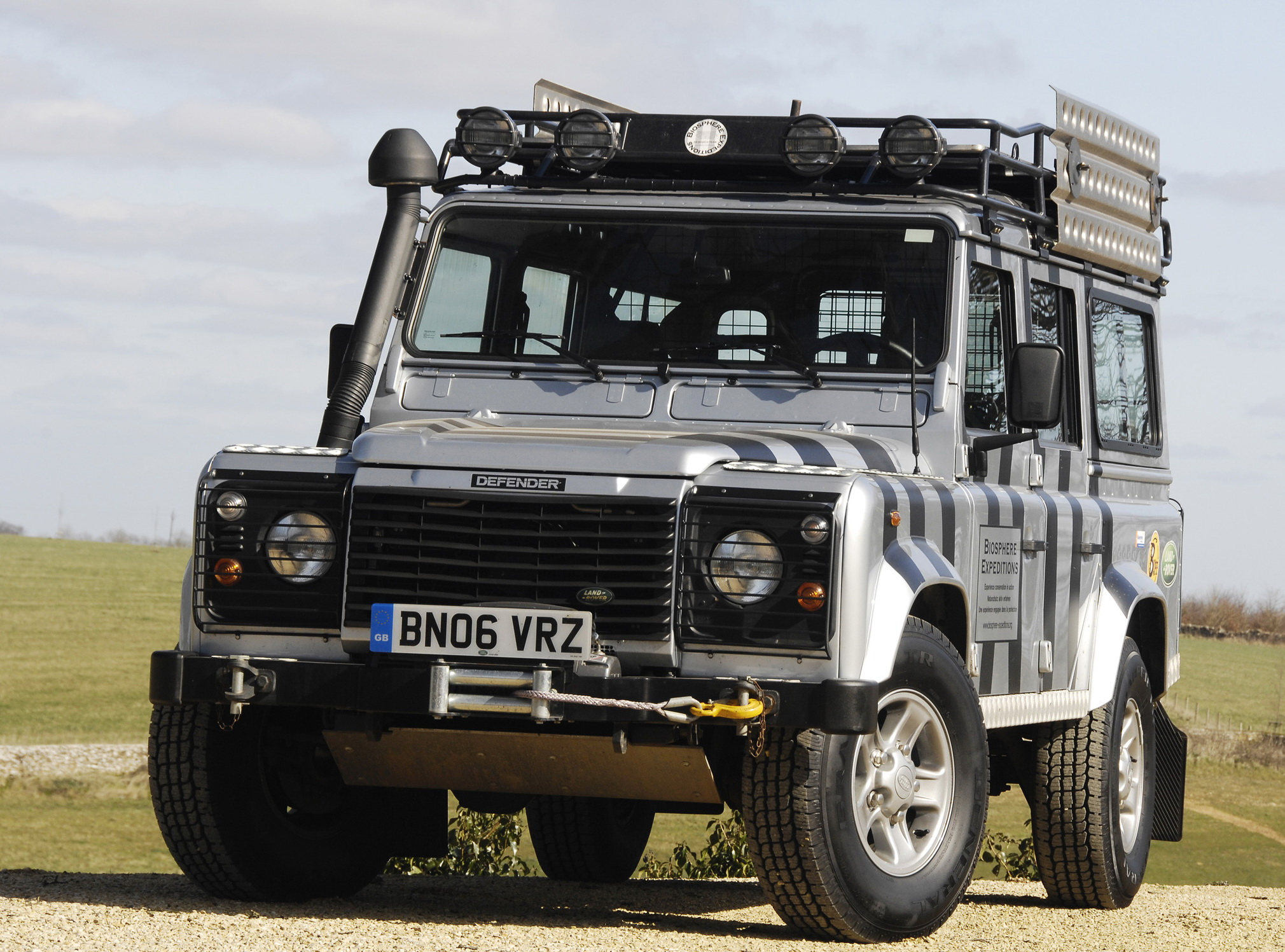 Land Rover Defender #14