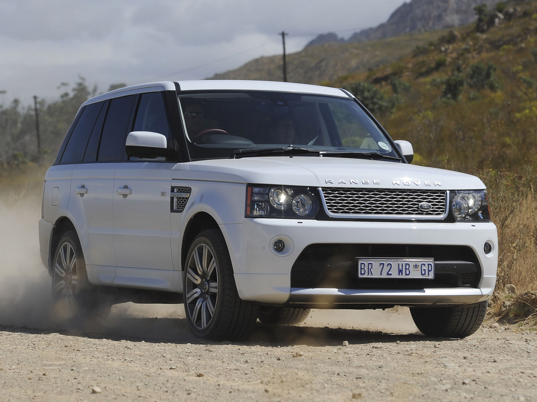 2012 land rover range rover sport information and photos momentcar. Black Bedroom Furniture Sets. Home Design Ideas