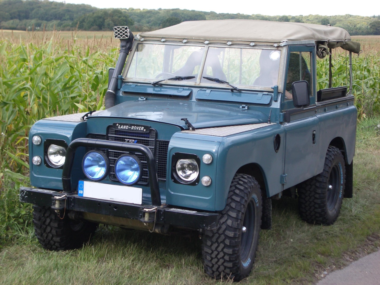 land rover series iii information and photos momentcar. Black Bedroom Furniture Sets. Home Design Ideas