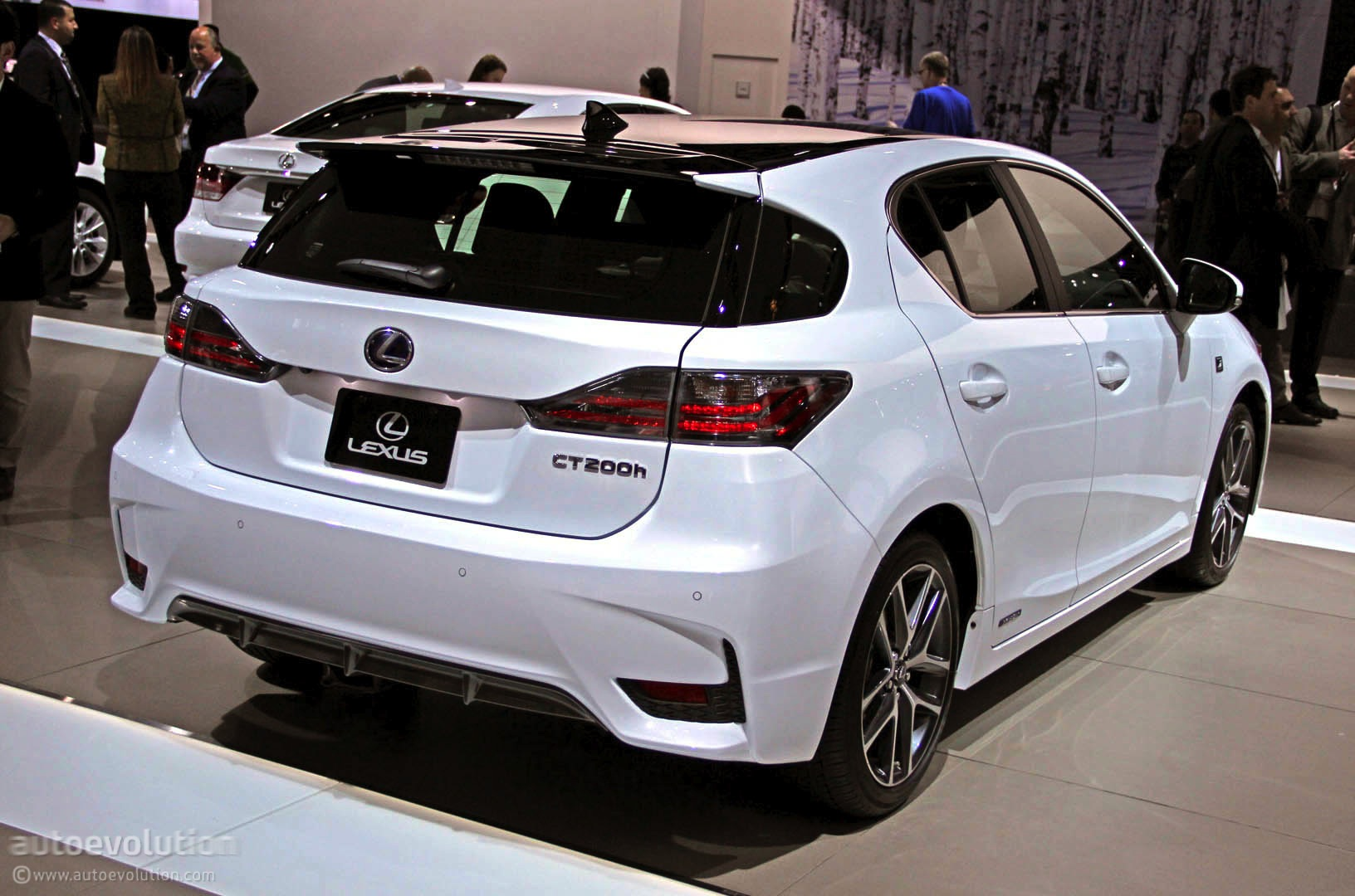 2014 lexus ct 200h information and photos momentcar. Black Bedroom Furniture Sets. Home Design Ideas