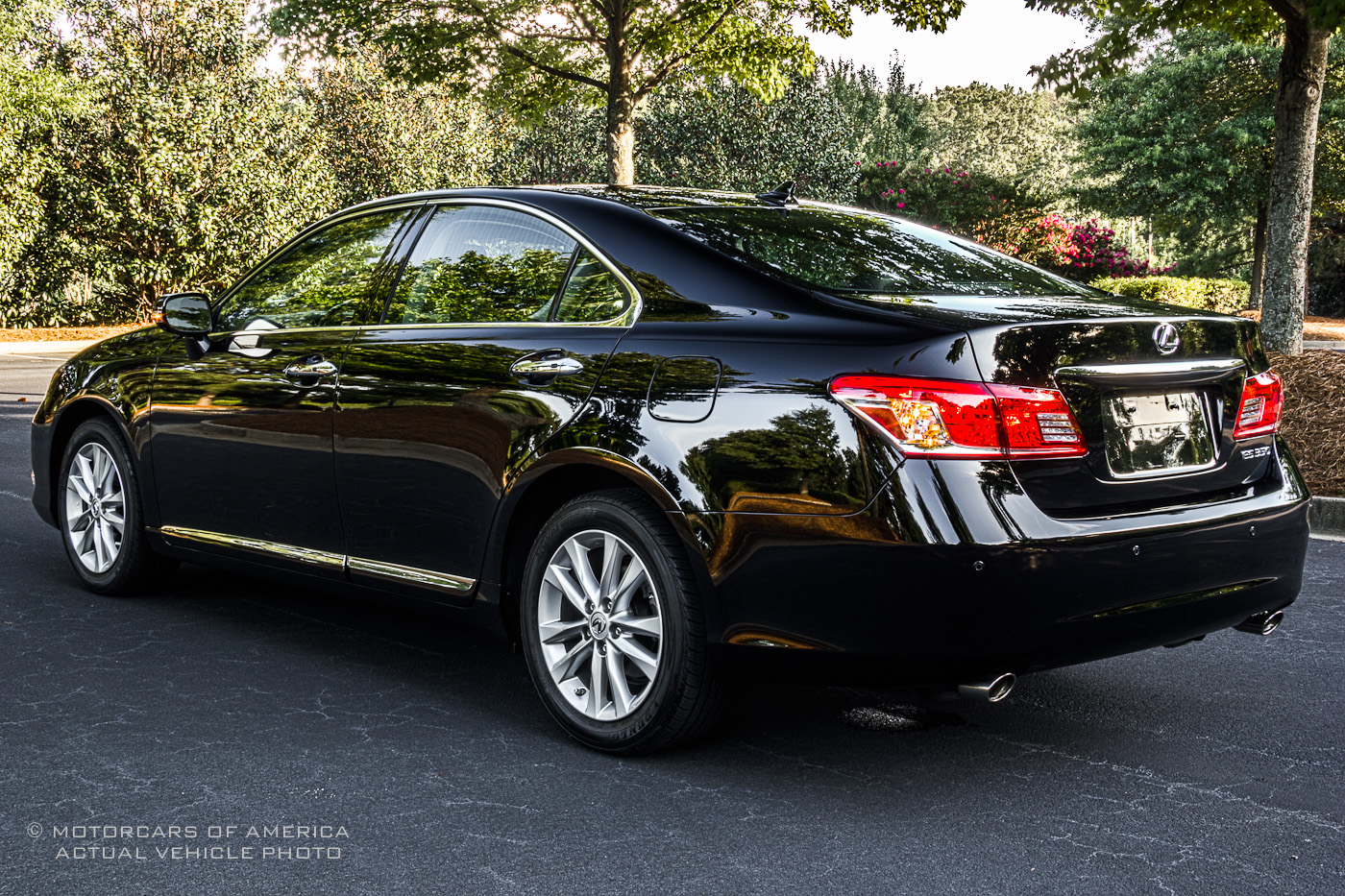 2011 lexus es 350 information and photos momentcar. Black Bedroom Furniture Sets. Home Design Ideas