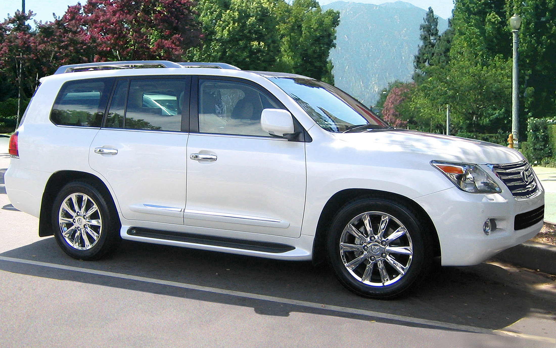 2009 lexus lx 570 information and photos momentcar. Black Bedroom Furniture Sets. Home Design Ideas
