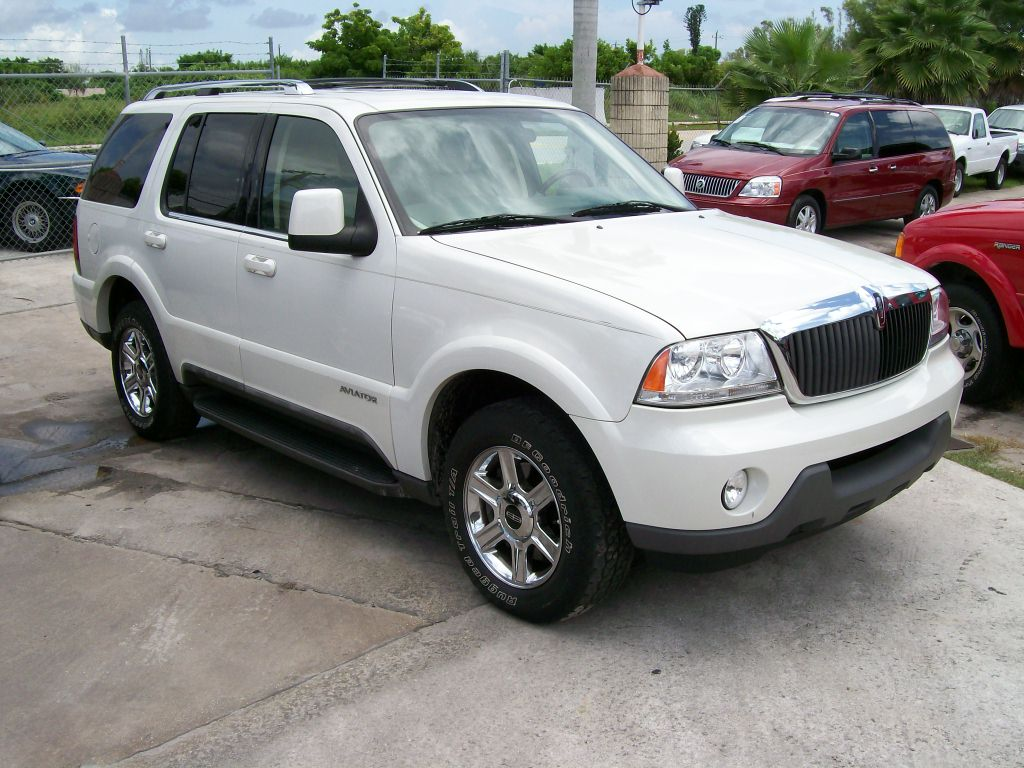 Lincoln Aviator #2