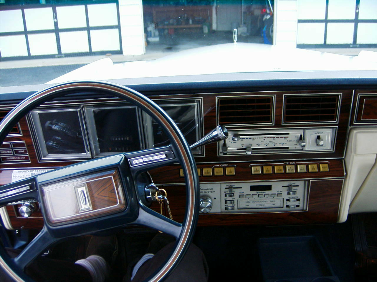 1980 lincoln mark vi information and photos momentcar. Black Bedroom Furniture Sets. Home Design Ideas