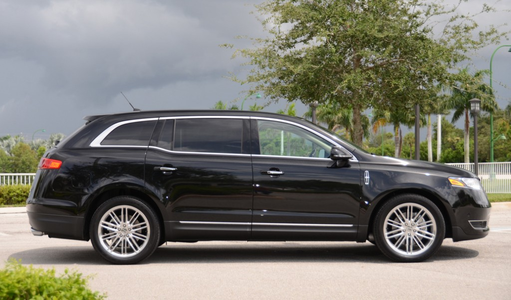 2013 lincoln mkt information and photos momentcar. Black Bedroom Furniture Sets. Home Design Ideas