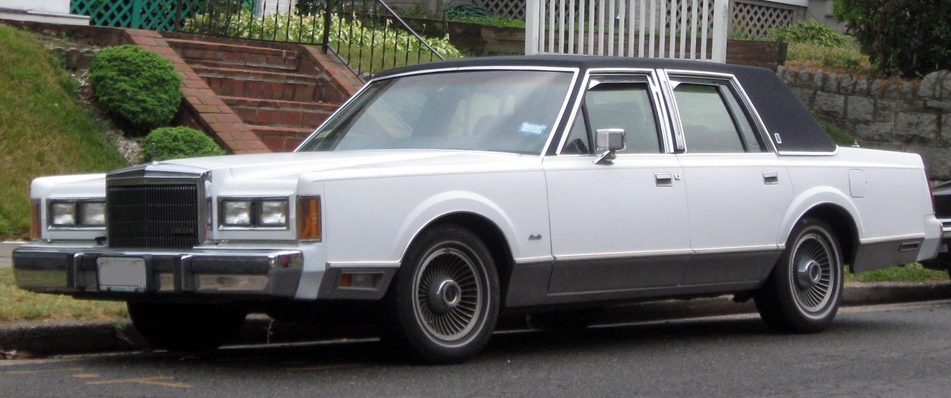 1983 Lincoln Town Car Information And Photos Momentcar
