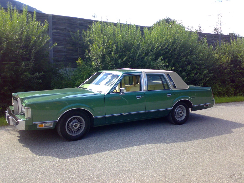 1986 lincoln town car information and photos momentcar 2005 Lincoln Town Car lincoln town car 1986 12