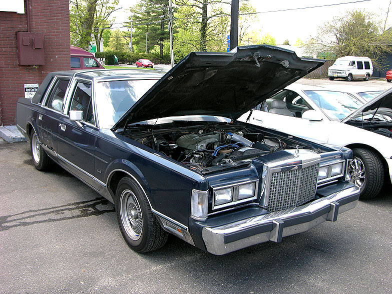 1986 Lincoln Town Car - Information And Photos