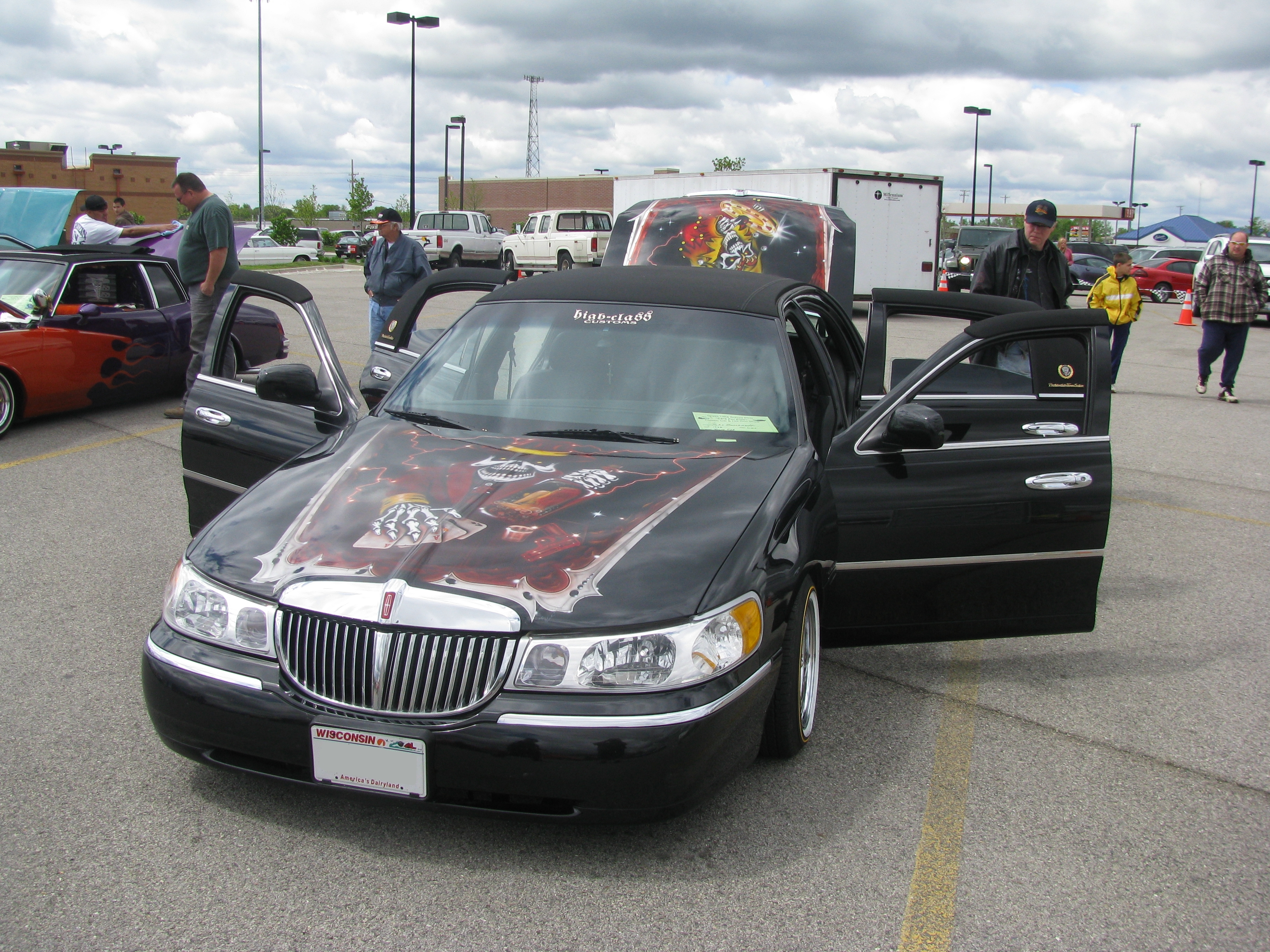 Lincoln Town Car 5096px Image 13