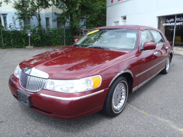 Lincoln Town Car 72px Image 8