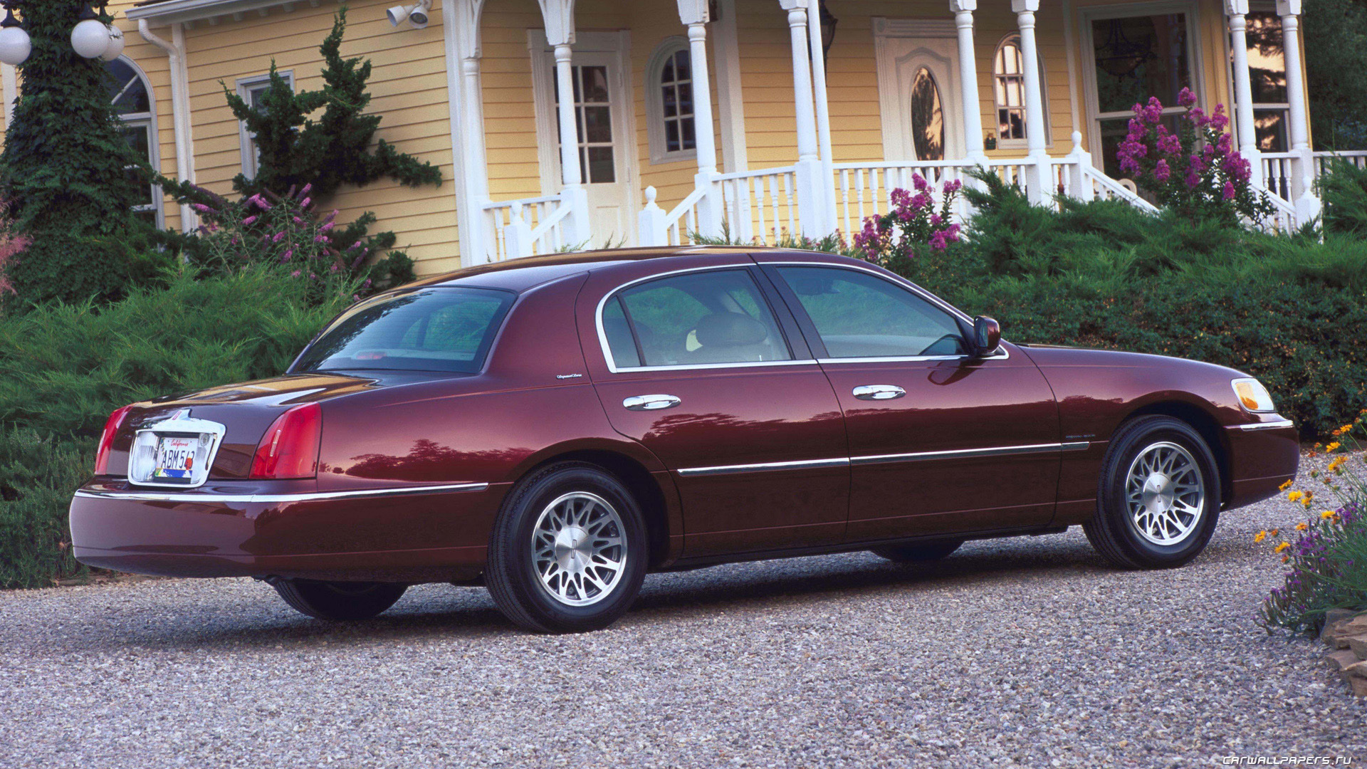 2001 lincoln town car information and photos momentcar. Black Bedroom Furniture Sets. Home Design Ideas