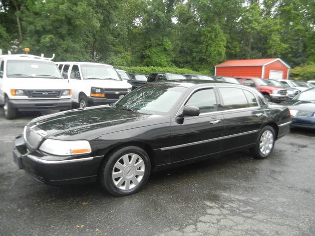 Lincoln Town Car 98px Image 12