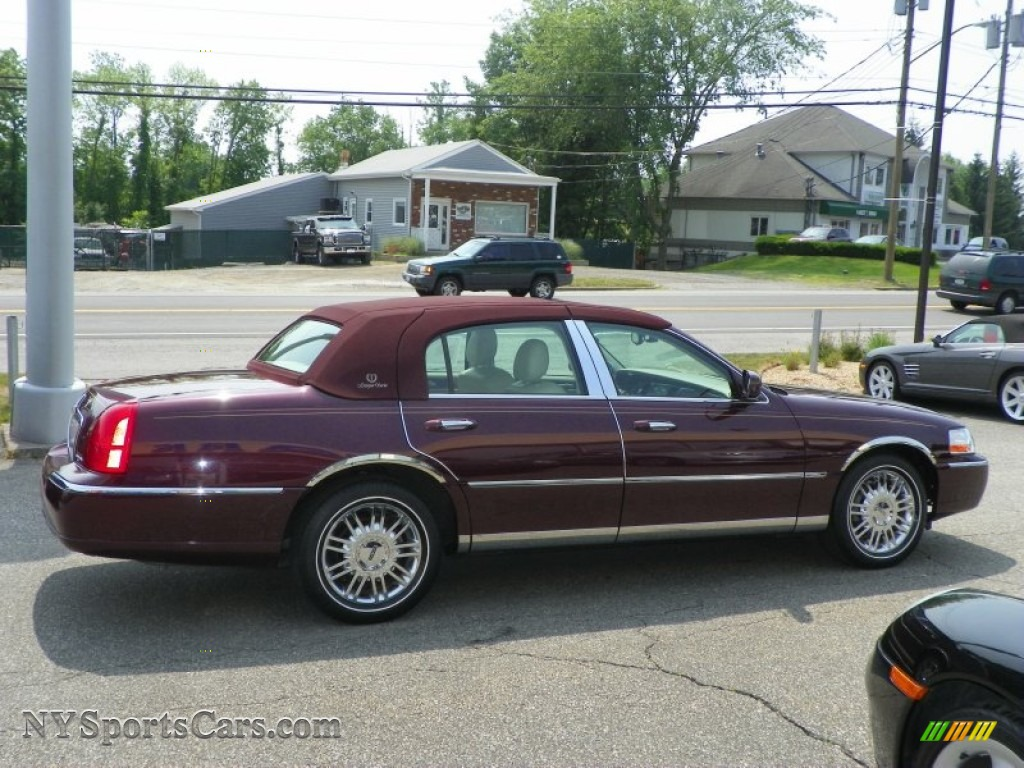 Lincoln Town Car 229px Image 13