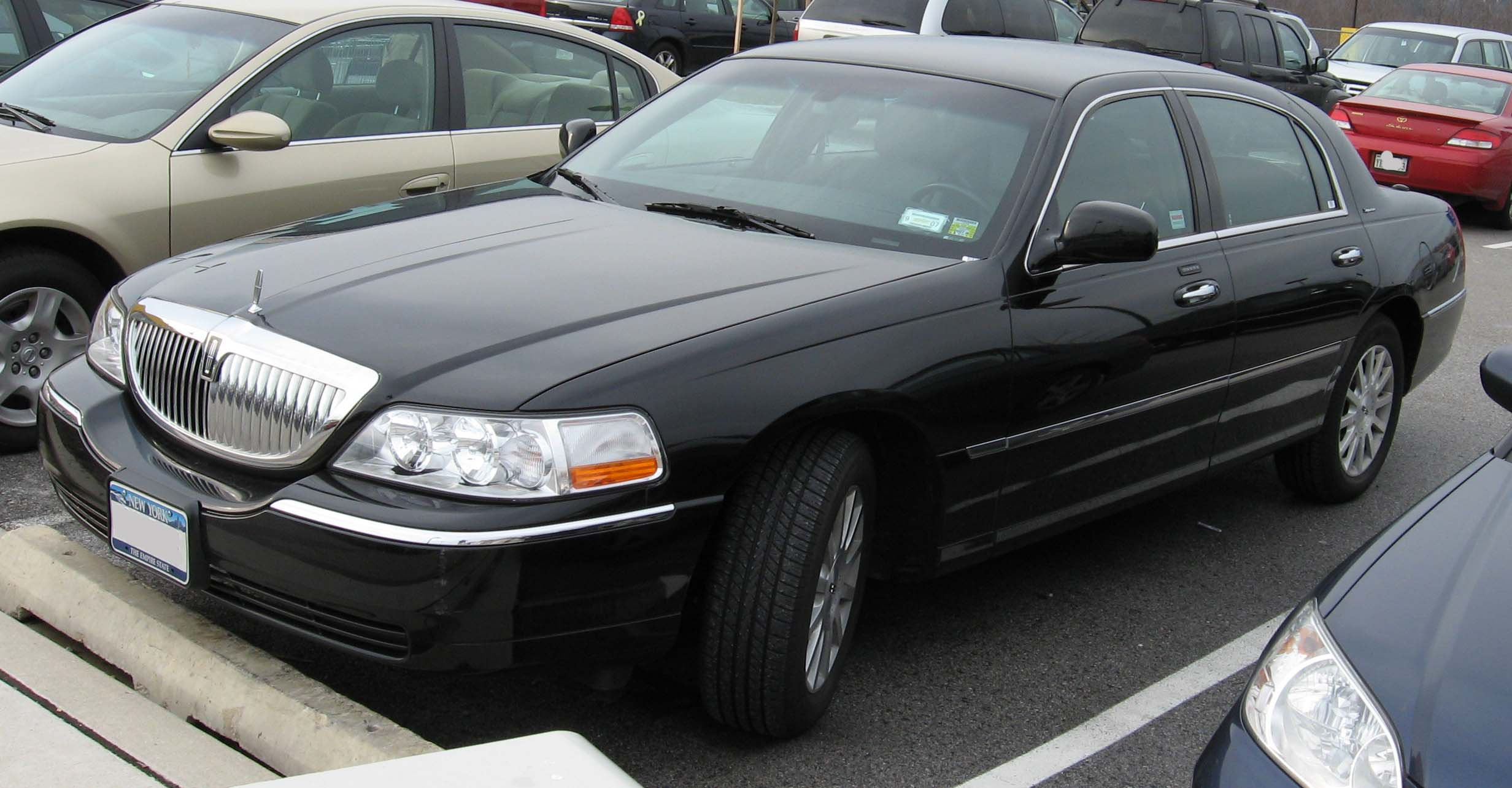 lincoln l series town car by 2006 lincoln town car information and photos momentcar