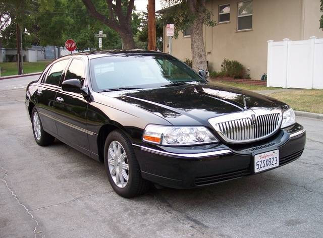 2007 lincoln town car information and photos momentcar. Black Bedroom Furniture Sets. Home Design Ideas