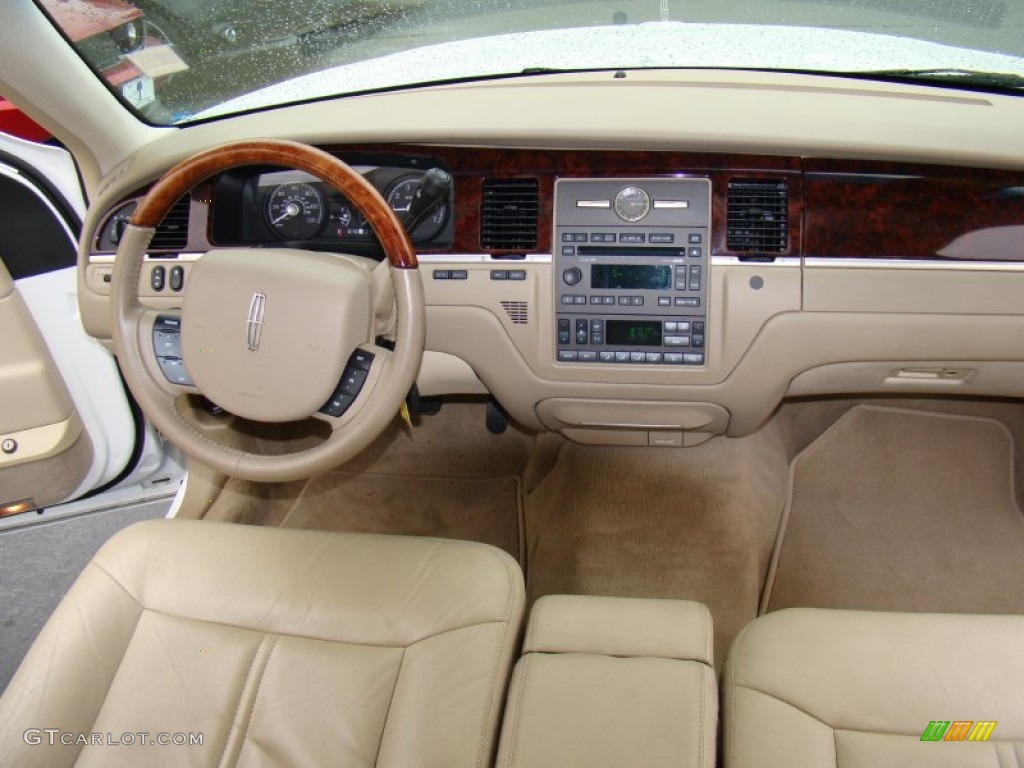Lincoln Town Car 148px Image 7