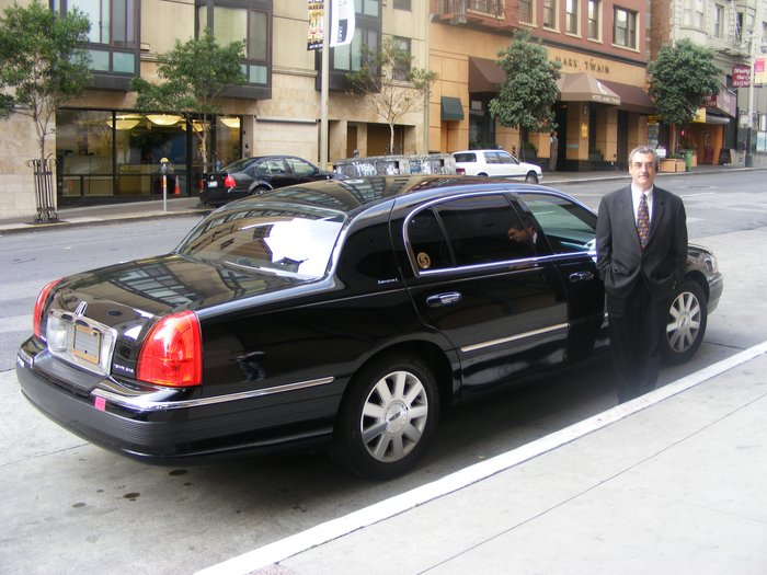 Lincoln Town Car Information And Photos Momentcar