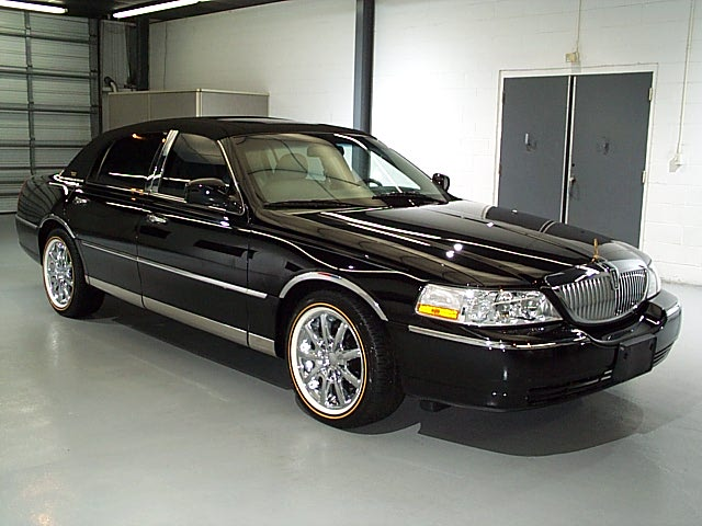 Lincoln Town Car 66px Image 19