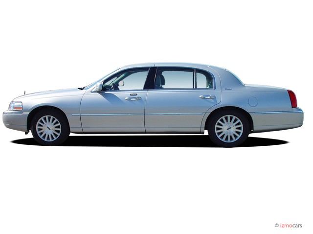 Lincoln Town Car 30px Image 1