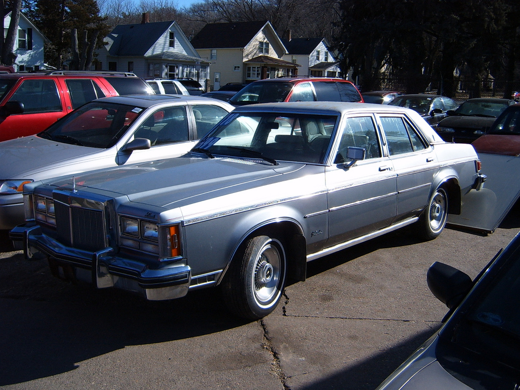 Lincoln Versailles 1978 #4
