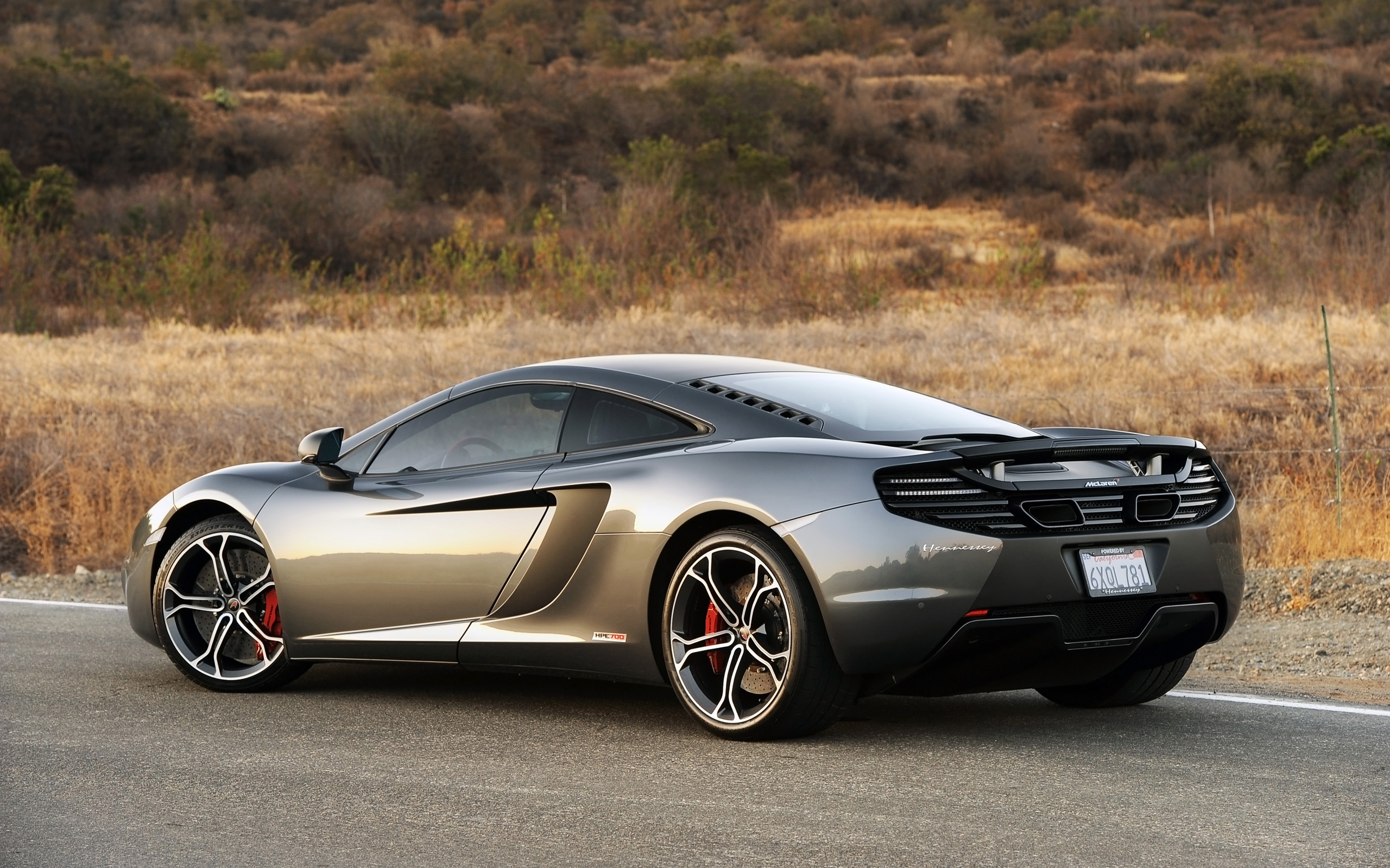 mclaren mp4 12c white wallpaper. mclaren mp412c 2013 10 mclaren mp4 12c white wallpaper