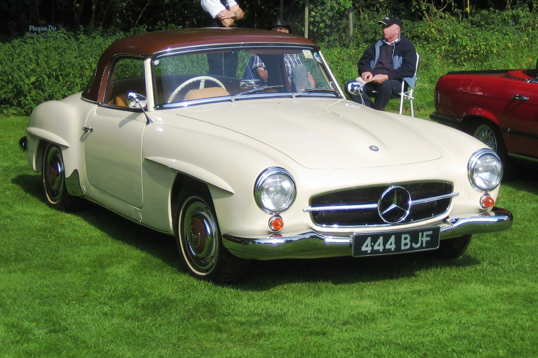 1960 mercedes benz 190sl information and photos momentcar for 1960 mercedes benz