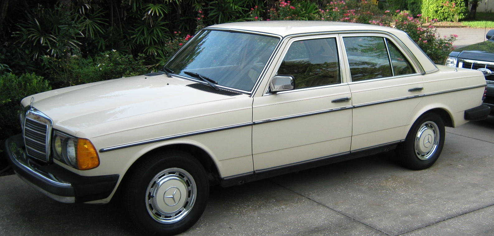 1973 Mercedes Benz 240d Information And Photos Momentcar