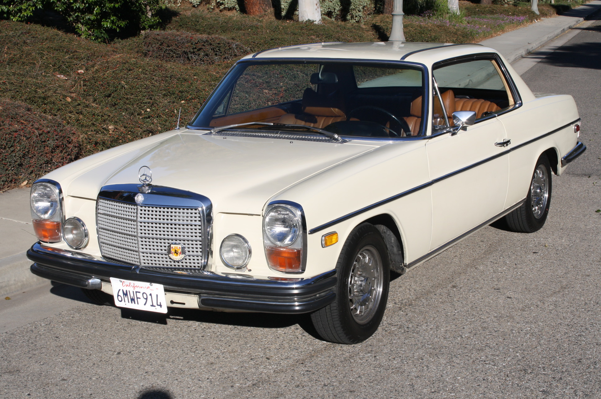 1971 mercedes benz 250 information and photos momentcar for Facts about mercedes benz