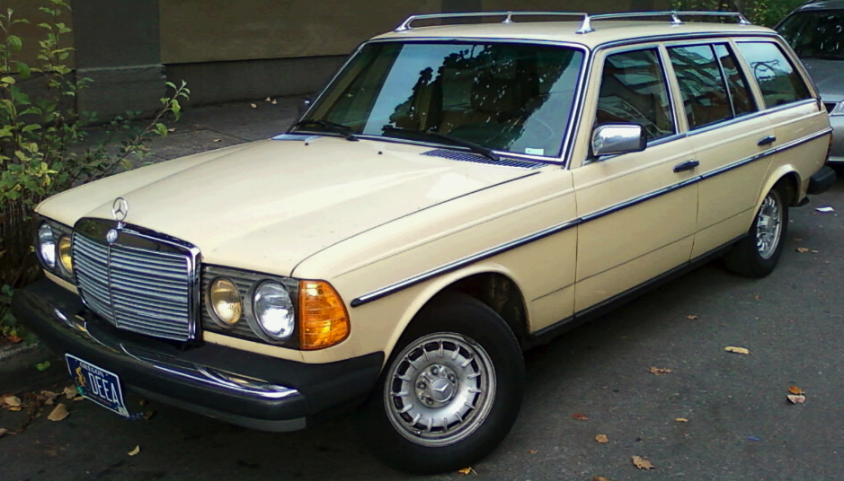 1982 mercedes benz 300td wagon bring a trailer for Mercedes benz diesel wagon