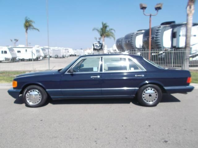 Mercedes benz 560 class 34px image 6 for How much is a 1990 mercedes benz worth