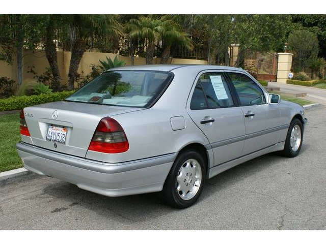1998 Mercedes-Benz C-Class - Information and photos - MOMENTcar