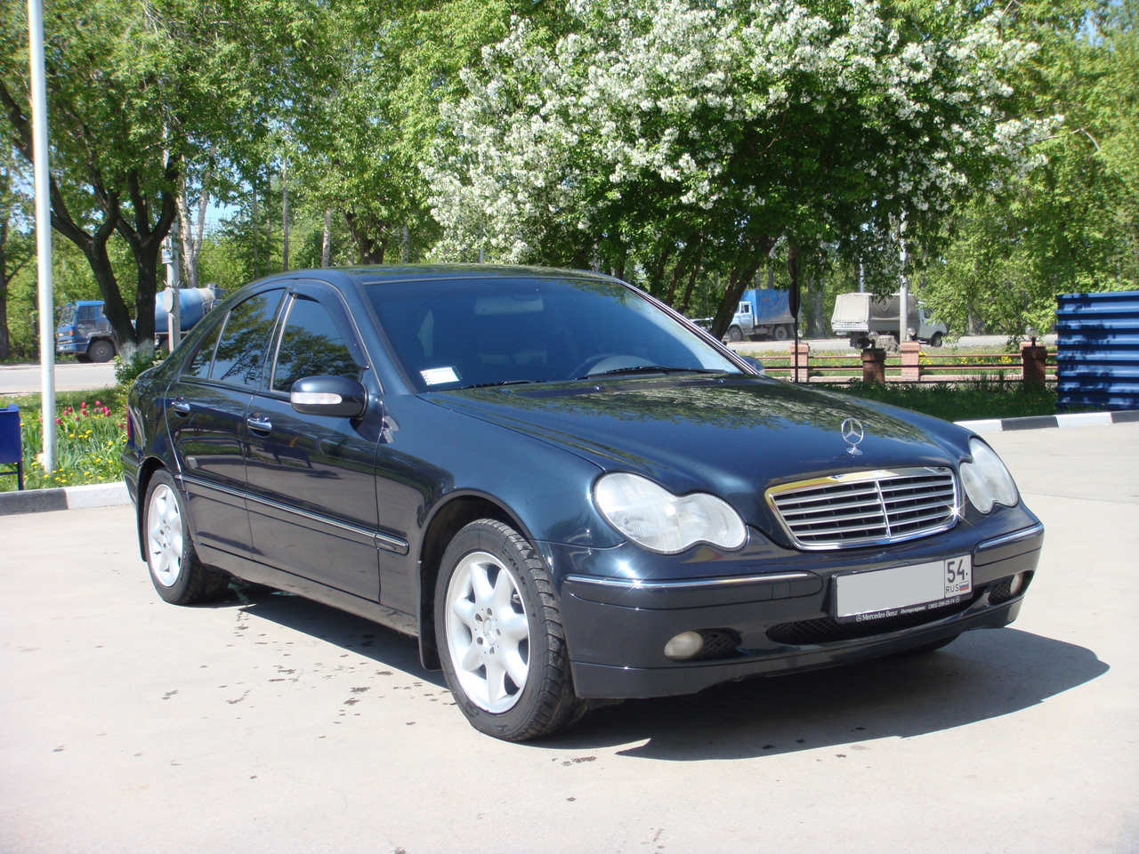 2001 mercedes benz c class information and photos momentcar. Black Bedroom Furniture Sets. Home Design Ideas