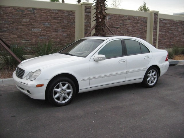 Image gallery 2002 mercedes benz for 2002 mercedes benz c class wagon