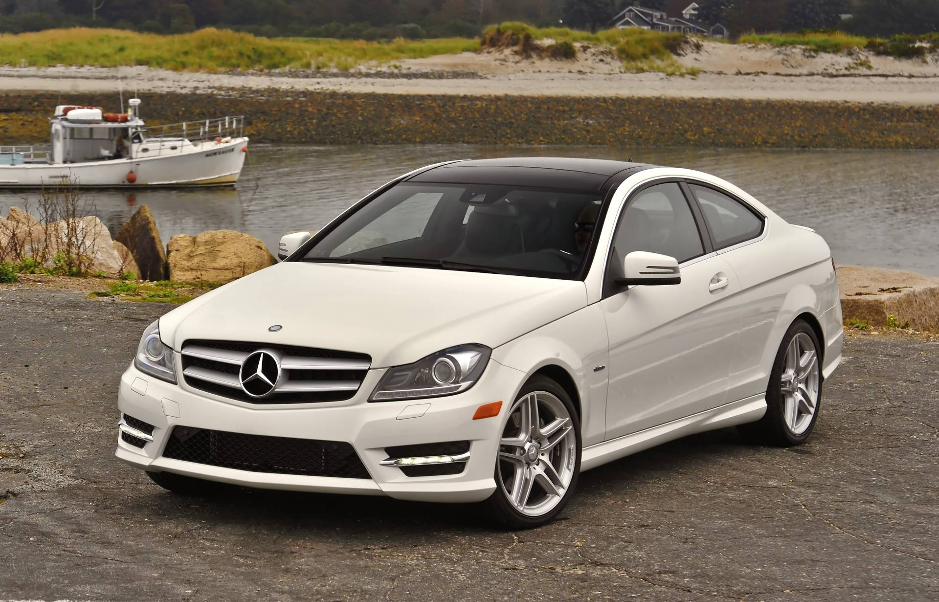 2013 mercedes benz c class information and photos momentcar. Black Bedroom Furniture Sets. Home Design Ideas